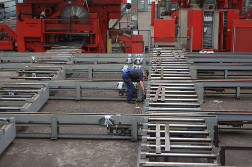 Disassembling of a Kaltenbach transport system consisting of roller conveyers and cross transfer tables